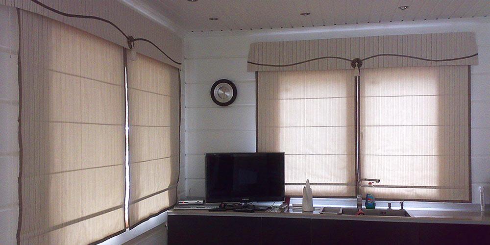 римские шторы на больших окнах фото